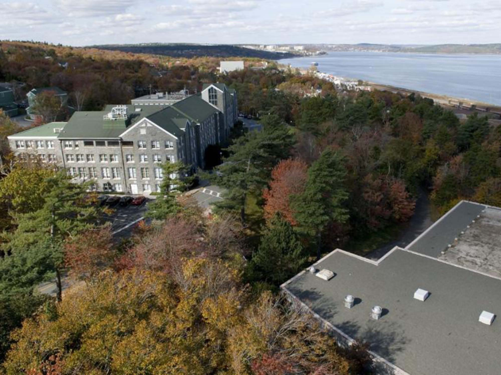 Success College Nova Scotia http://studentabroadmagazine.wordpress.com/2010/10/22/a-mount-of-history-%E2%80%93-msv-nova-scotia/